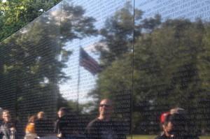 Vietnam_Memorial_USA_Flag